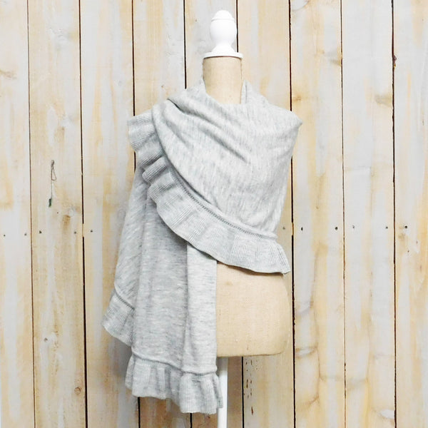 Frilled Wool Shawl - Light Gray