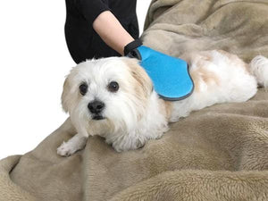 2-in-1 Pet Deshedding and Grooming Glove with 290 tips