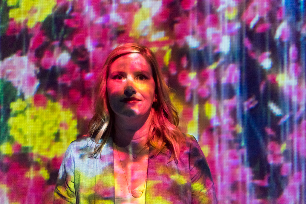 teamlab au dela des limites paris la villette digital art flowers on janna Conner