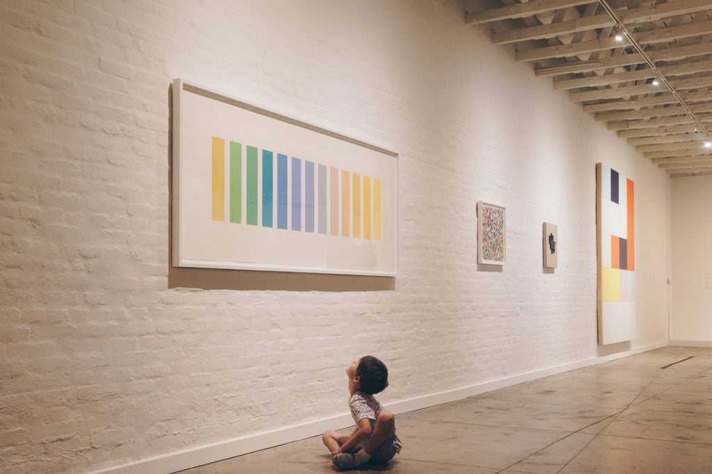 child looking at Ellsworth Kelly at Underground Museum in LA