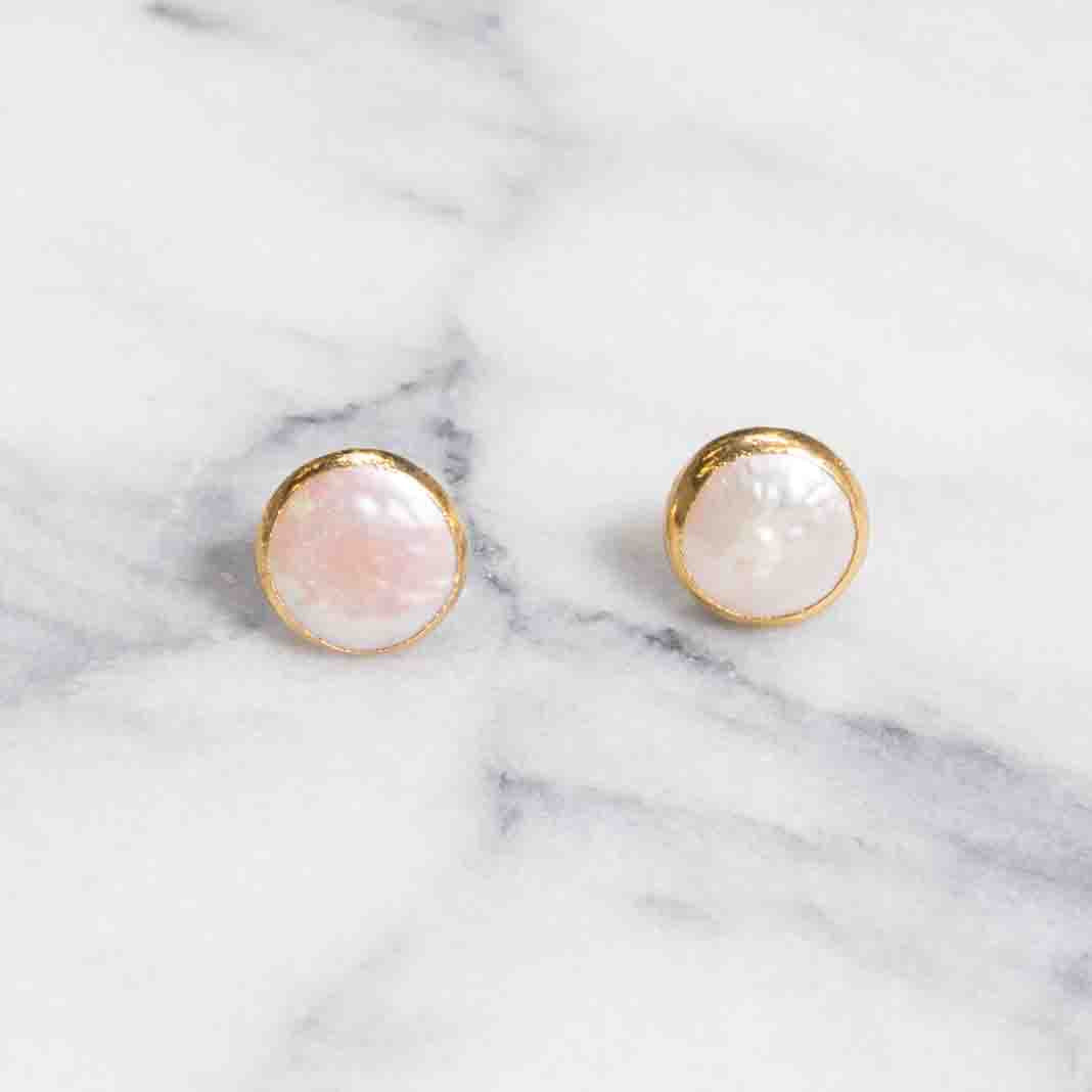 5940-mother-of-pearl-studs