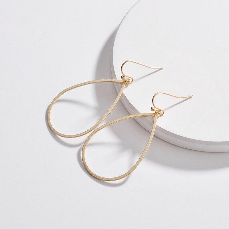 Nicola Teardrop Earrings | 18k Gold Plating | Janna Conner