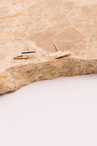 14k gold lightening bolt studs