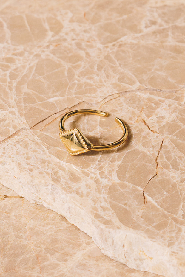 gold diamond shaped adjustable ring