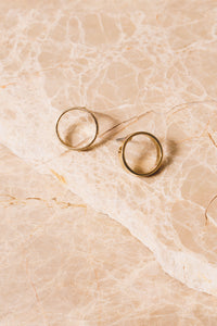 small gold circle hoop earrings