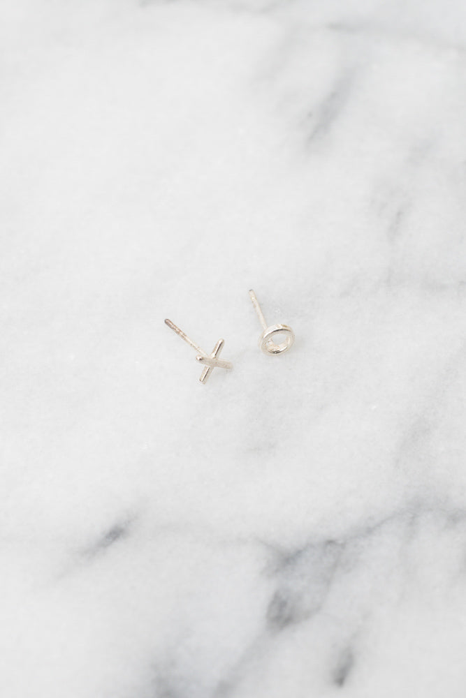 silver xo mismatched stud earrings