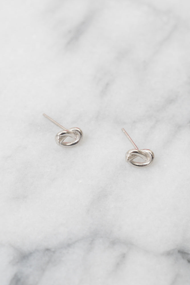 silver Gordian knot studs
