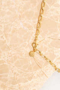 vintage style gold chain necklace with clasp