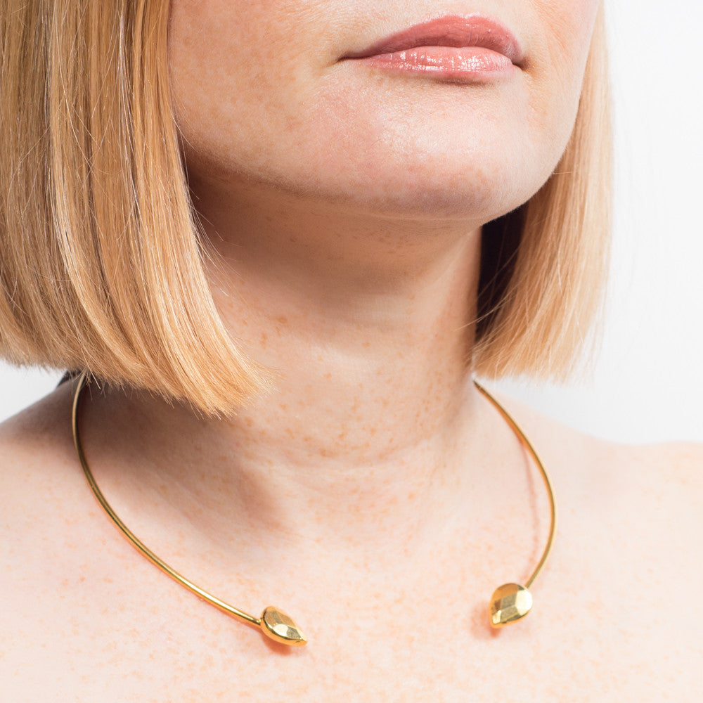 janna Conner gold teardrop choker necklace on model