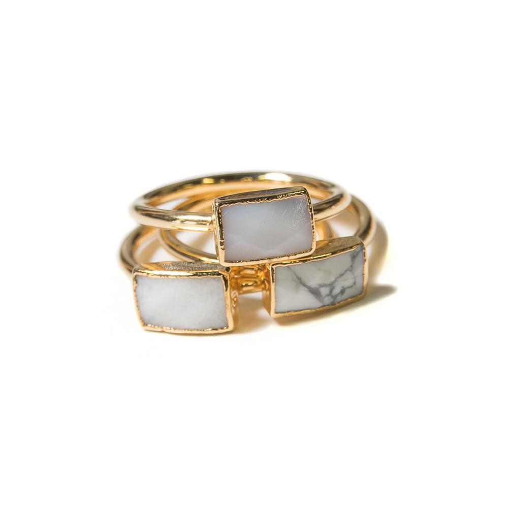 whita agate stacking rings gold
