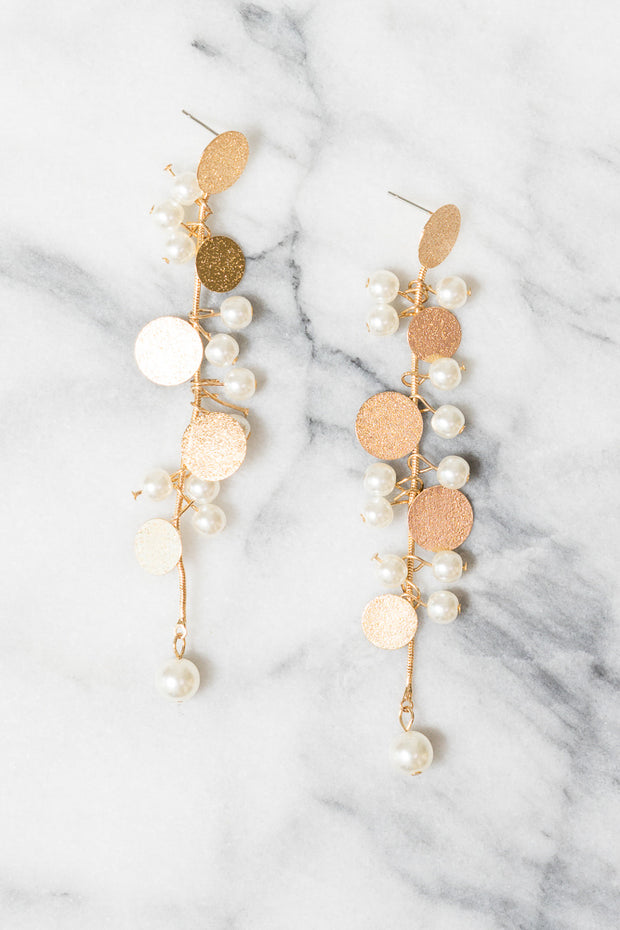 pearl earrings dangle gold discs