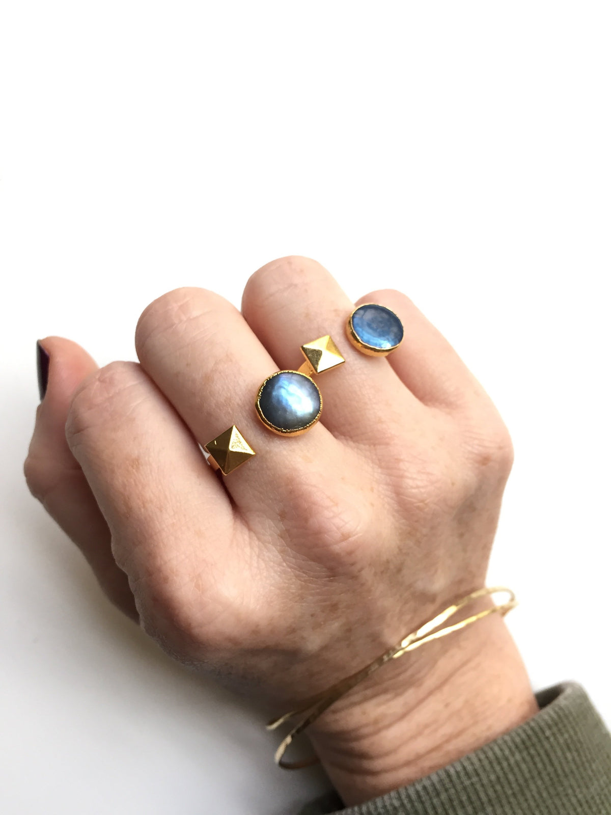 navy blue freshwater pearl coin stud ring on hand
