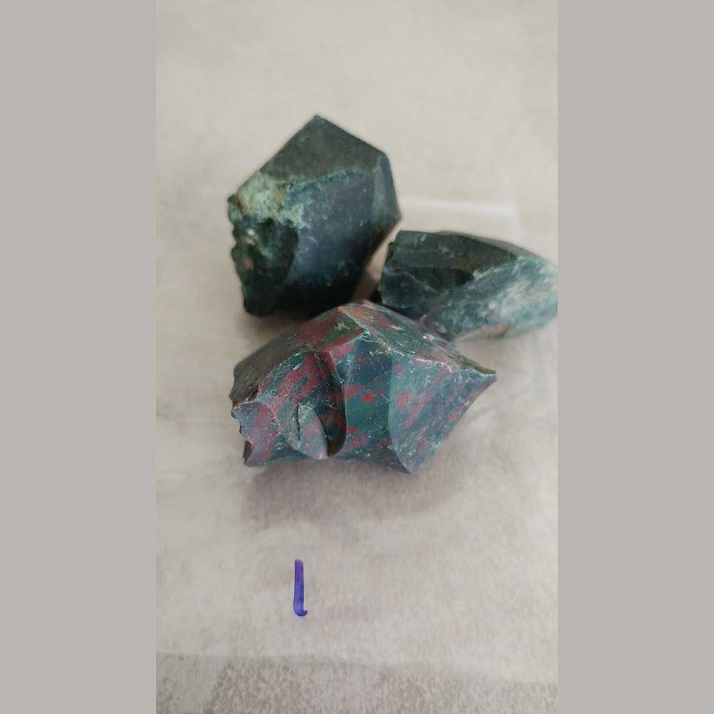 Bloodstone benefits blood rich organs, regulates and supports blood flow and aids circulation