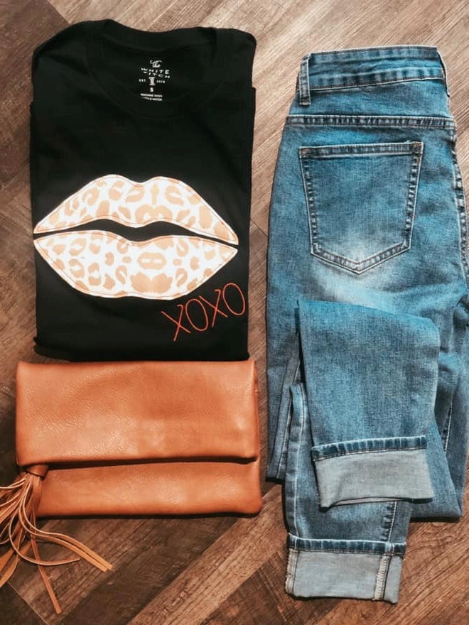 Gold Leopard Lips Tee