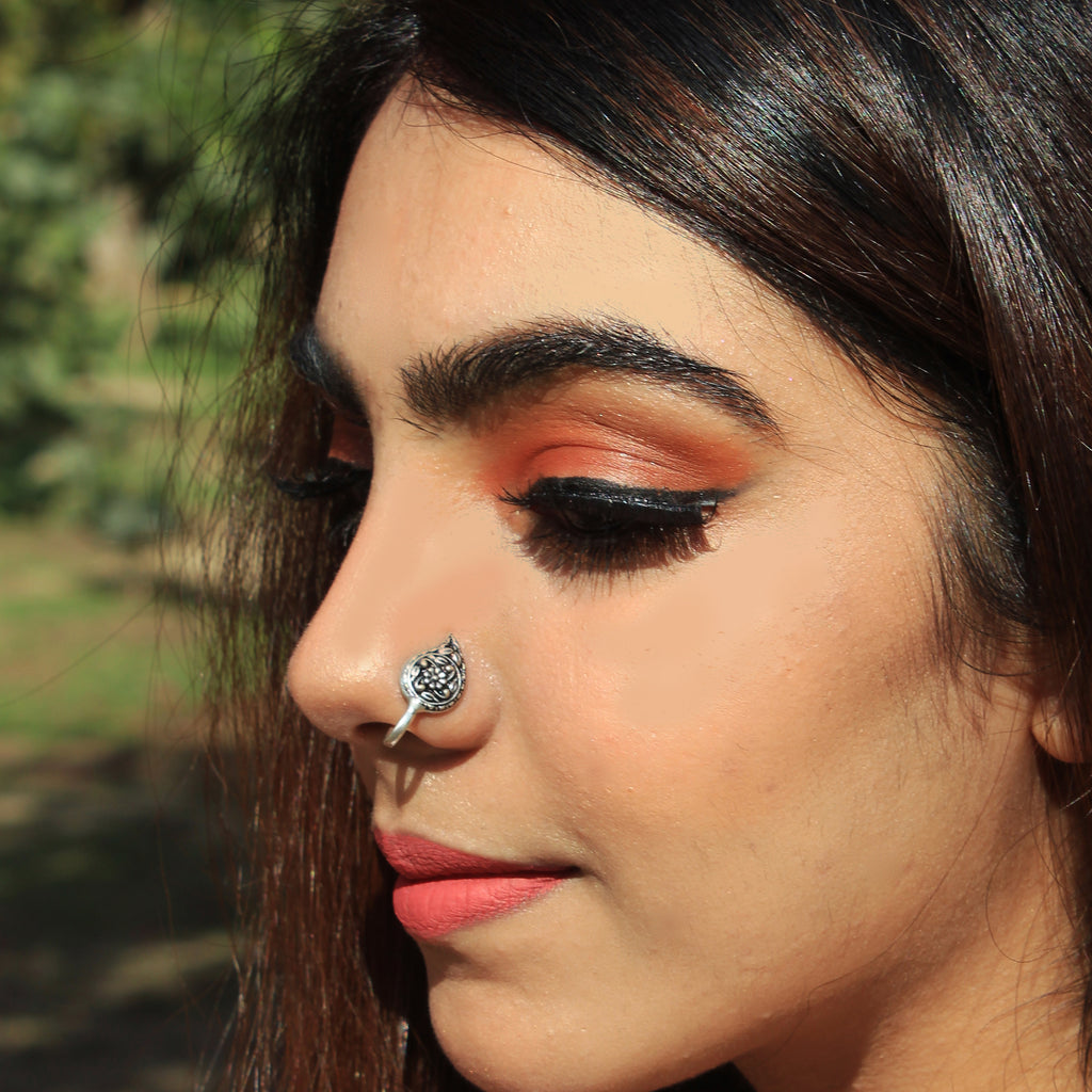 Anokhi - Leaf Shaped Oxidized Silver Clip On Nosering