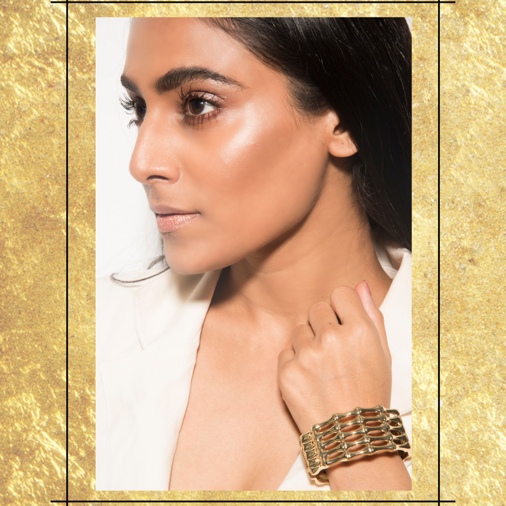 Natrium Cuff - Golden Metallic Closed Chain Cuff Bracelet