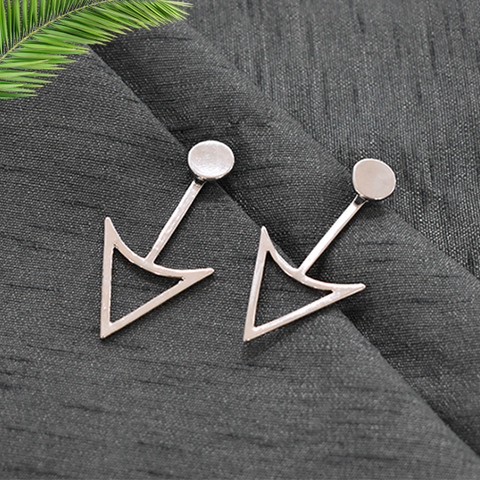 Anne Silver - Metal Arrow Stud Earrings