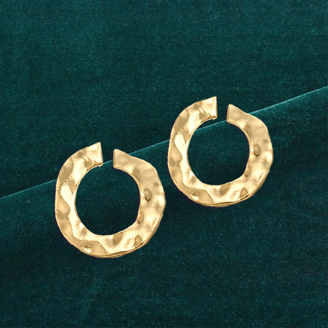 Stinger - Golden metal Earrings
