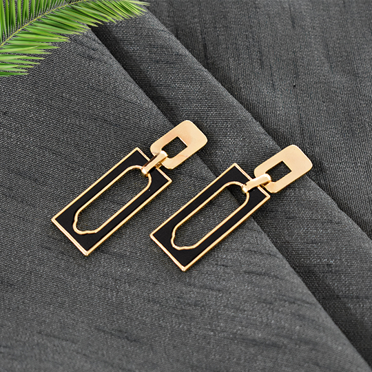 Evelyn Black - Rectangular Dainty Stud Earrings