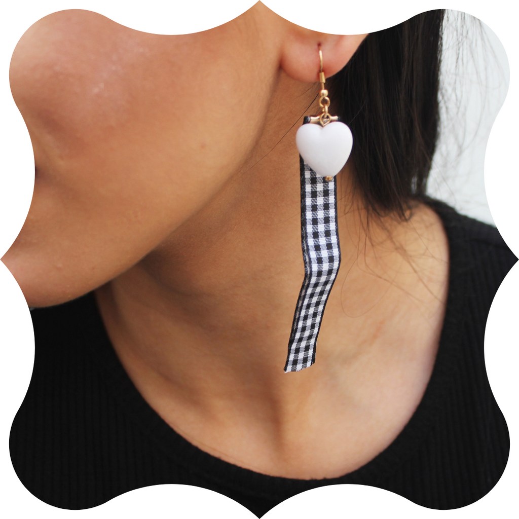 Checkmate - Ribbon and Heart Earring
