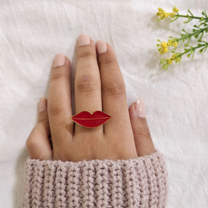 Kiss Kiss - Dainty Red Lips Ring