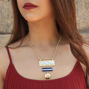 Marble Triad - Dainty necklace