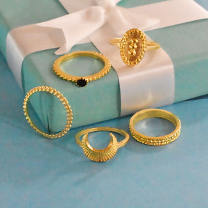 London Set of Rings - Dainty Golden Chic Ring Stack