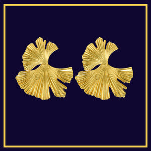 Golden Oysters : Gold Open Sea Shell Earrings