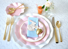 Pearly pink petalo dinner plate - Little Rose Party Company