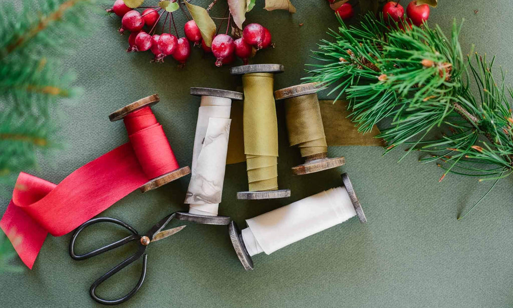 Dreaming of a Green Holiday: Reducing Gift Wrap Waste!