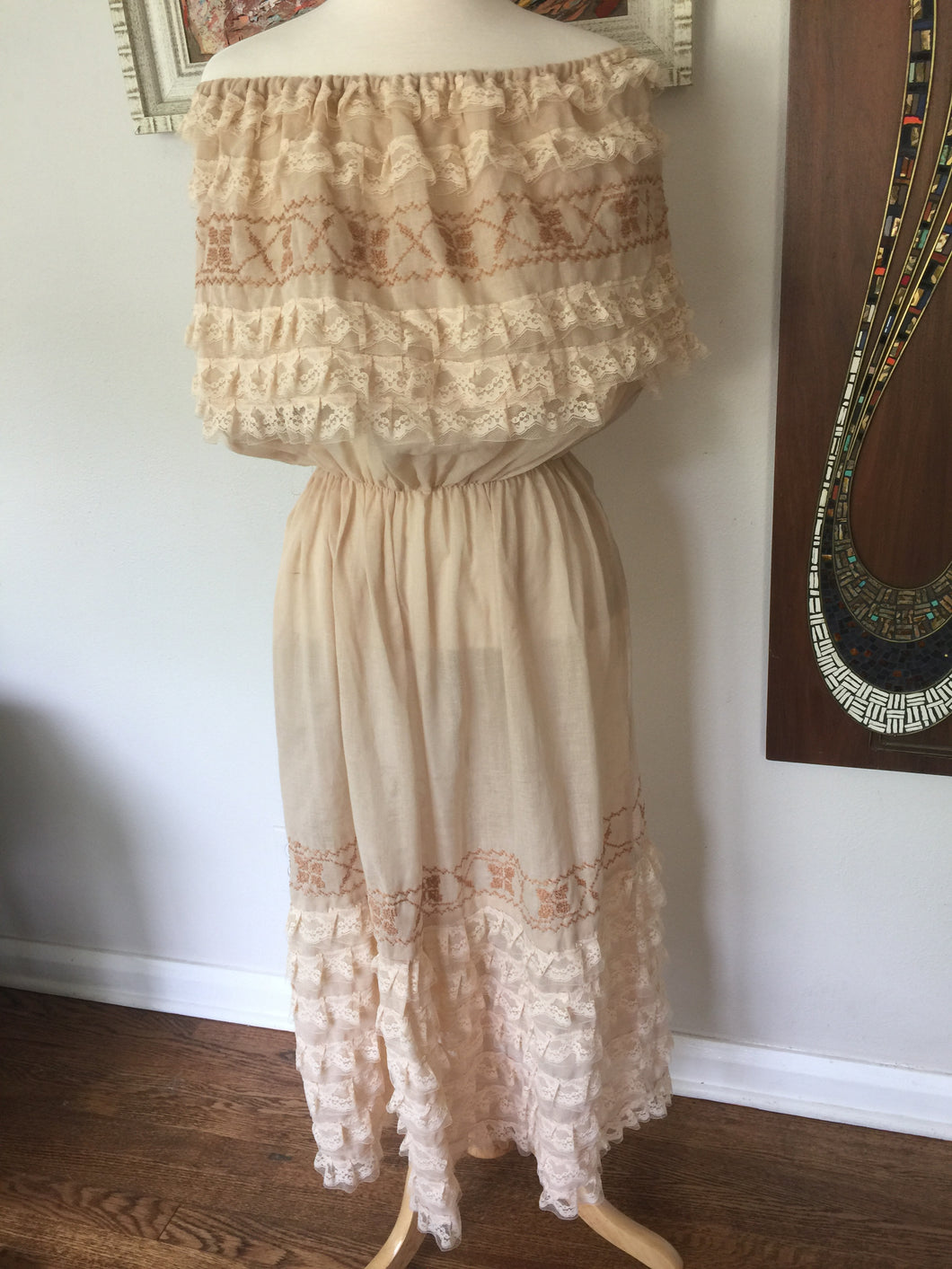 Vintage Bohemian Sheer Lace And Embroidery Off The Shoulder MexiCali Vibe Dress