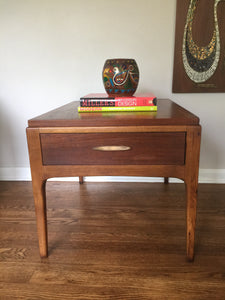 Vintage Mid Century Modern Lane Walnut Side Table With Drawer