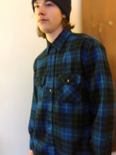 Load image into Gallery viewer, Vintage Blue & Black Watchman's Plaid Flannel Button Down Shirt