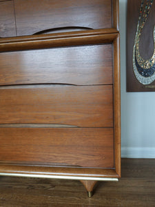 Vintage Mid Century Modern Kent Coffey Walnut 5 Drawer Dresser Chest