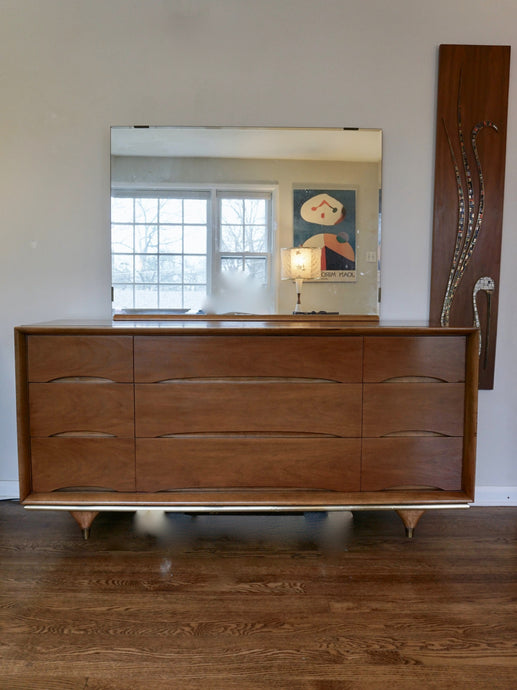Vintage Mid Century Modern Kent Coffey 9 Drawer Walnut Dresser With Mirror
