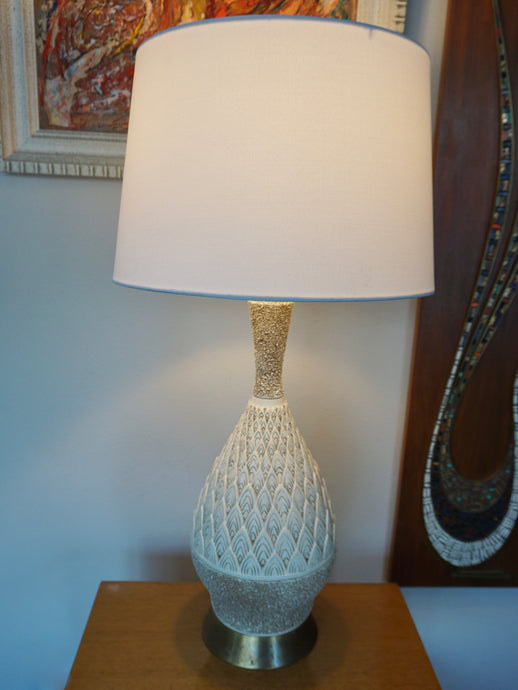 Vintage Mid Century Modern White Ceramic Lamp By Quartite Creative Corp 1960
