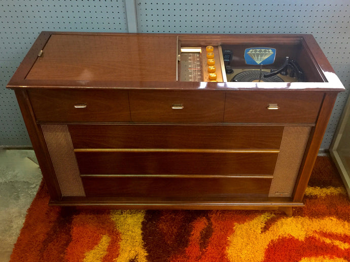 Vintage Magnavox Tube Amplified Stereo Record Player Refurbished With Added Bluetooth
