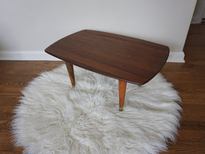 Vintage Mid Century Modern Walnut Side Table With Tapered Legs