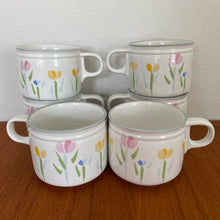 Load image into Gallery viewer, Vintage Modern Tulip Design Fresh Mint Mugs By Villager Set