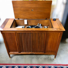 Load image into Gallery viewer, Vintage MidCentury RCA Stereo Record Player With Added Bluetooth 1960
