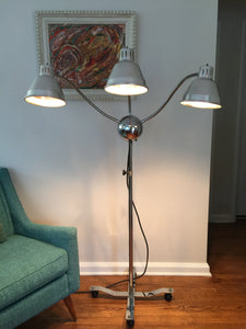 Vintage Mid Century Modern Sputnik Medusa Industrial Chrome Lamp With 3 Arms