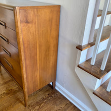 Load image into Gallery viewer, Vintage MidCentury Modern 5 Drawer Chest Dresser