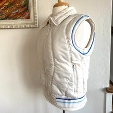 Load image into Gallery viewer, Vintage 80's Ski Jacket With Zip Off Sleeves