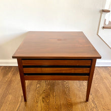 Load image into Gallery viewer, Vintage MidCentury Modern Dillingham SideTable