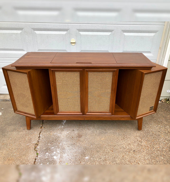 Vintage Mid Century Modern Stereo Record Player With Added Bluetooth