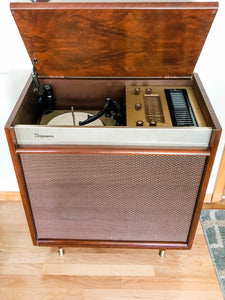 Vintage Mid Century Modern Tube Amplified Record Player With Bluetooth