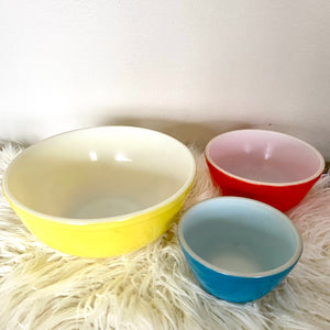 Vintage Pyrex Primary Bowl Set of 3