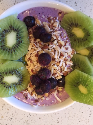 Protein rich smoothie bowl - by Amber-Marie