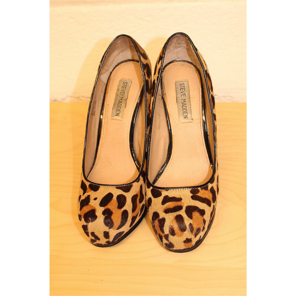 STEVE MADDEN | Leopard Print Pony Hair Pumps - Fresh Fashion Library