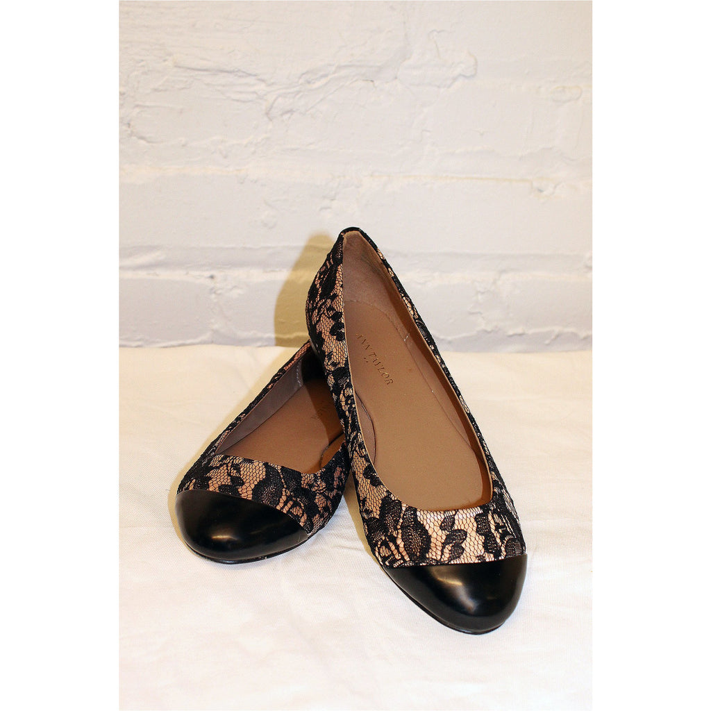 ANN TAYLOR | Black and Light Pink Lace Flat
